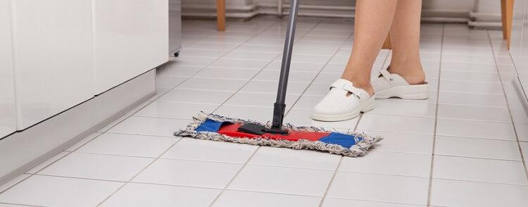 Favorit Fliesen reinigen - 10 Tipps, die unbedingt beachtet werden sollten EY65
